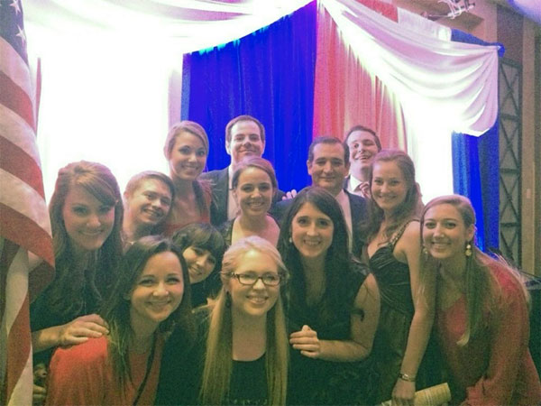Heritage Foundation interns pose with Sen. Ted Cruz (R-TX)